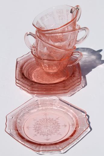 Princess pink depression glass 1930s vintage Anchor Hocking plates & cups