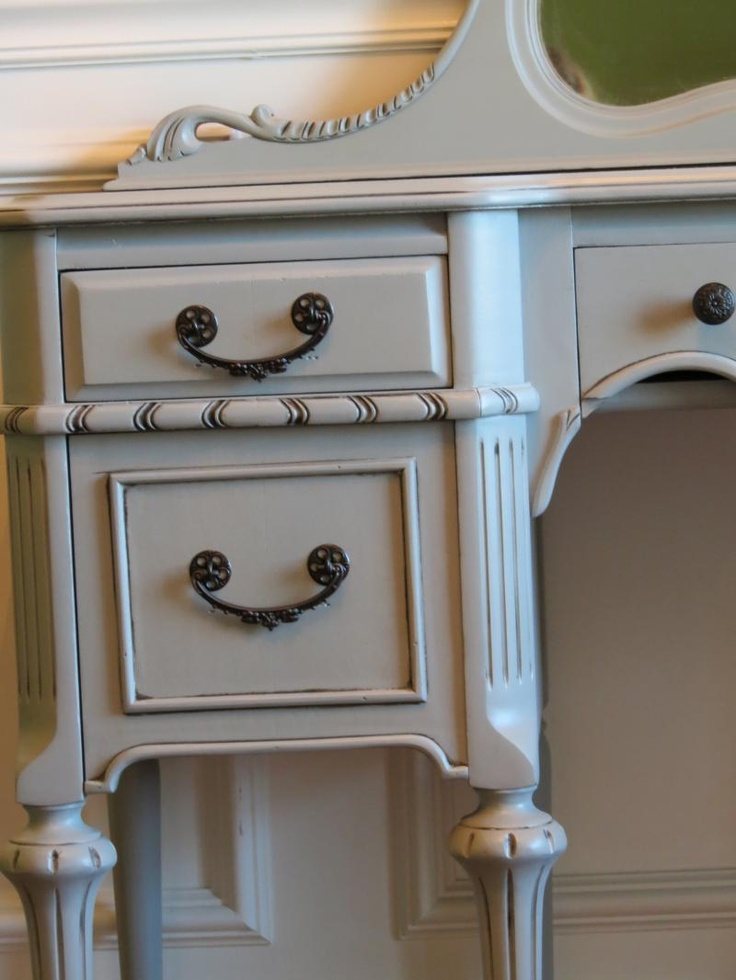Etonnant Chrissieu0027s Collection   Custom Painted Furniture Vanity Detail