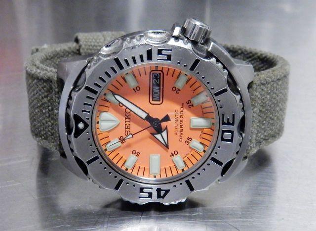 Hierbij bied ik het volgende horloge aan:    Kienzle, model onbekend  de diameter is 40mm de leeftijd van het horloge is onbekend  komt op een lederen band horloge kan afgehaald worden in Apeldoorn of Utrecht, verzenden kan op kosten van koper het horloge is in goede staat, slechts enkele kleine gebruikssporen, weinig gedragen automatisch uurwerk, Miyota 8210 de vraagprijs is €120,-   En de foto's    [afbeelding][afbeelding][afbeelding][afbeelding][afbeelding][afbeelding]