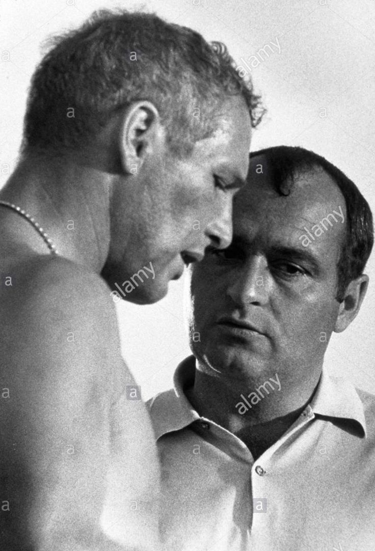director Stuart Rosenberg with Paul Newman during filming of COOL HAND LUKE
