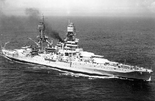 USS Arizona - Diciembre, 7 de 1941.  Hundido por los aviones japoneses en Pearl Harbour. El USS Arizona es uno de los más conocidos porque más de la mitad de las bajas de ese día corresponden a los 1.177 soldados que murieron a bordo de este acorazado construido en 1915 y remodelado varias veces.