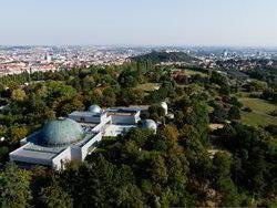 Hvězdárna a planetárium Brno - dotkněte se hvězd