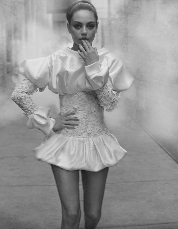 Mila Kunis as a ballerina by Ruven Afanador www.workshopexperience.com