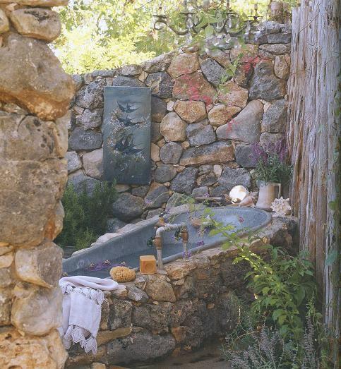 ;♥ this!: Outdoor Bathtubs, Outdoor Tubs, Outdoor Baths, Bath Tubs, Dreams, Magnolias Pearls, Gardens, Outdoorbath, Outdoor Bathroom