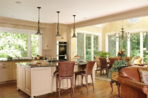 Picture Windows surround the Dining Table: Bathroom Design, Dining Area, Idea,  Eating House, Window, Traditional Kitchens, Sunrooms, Kitchens Photos, Sun Rooms