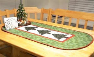 PellonProjects.com. Kona Bay Christmas Tree Table RunnerTrees Tables, Quilt Ideas, Free Design, Bays Christmas, Kona Bays, Tables Runners, Christmas Ideas, Table Runners, Christmas Trees