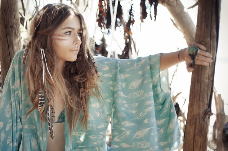 .Hair Feathers, Beach Style, Tribal Makeup, Boho Jewelry, Indian Princesses, Beach Girls, Hippie Gypsy, Native American, Boho Fashion