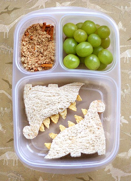 lunchesKid Lunches, Kids Lunches, Grilled Chees Sandwiches, Kids Stuff, Schools Lunches, Dino Sandwiches, Lunches Ideas, Dinosaurs Sandwiches, Kids Food