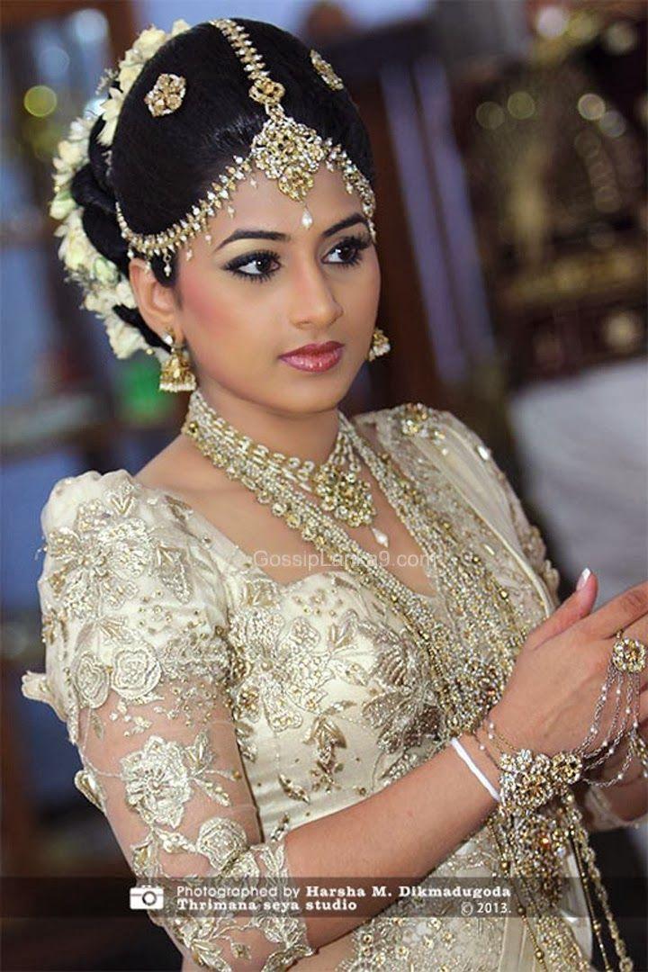 Narrators Bollywood makeup, Indian wedding makeup, Best