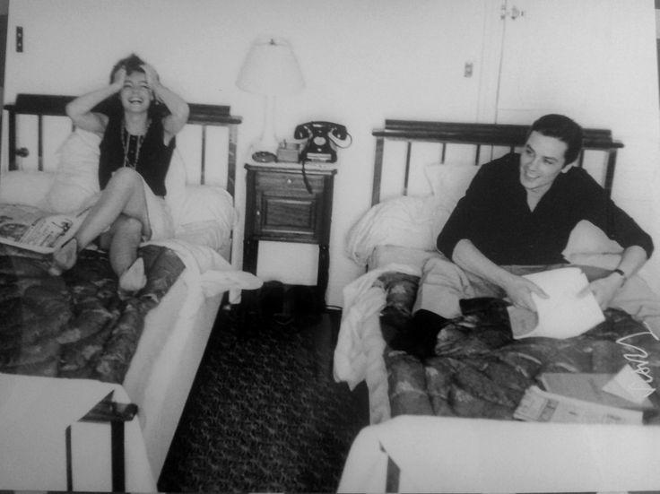 Alain Delon et Romy Schneider à Cannes. Retirage signé par l'artiste, cachet au dos. Bientôt en vente sur atelier-xou.com