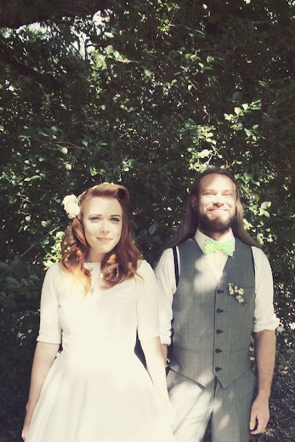 Vintage bride & groom backyard wedding with Brown Paper Parcel & The Frosted Petticoat