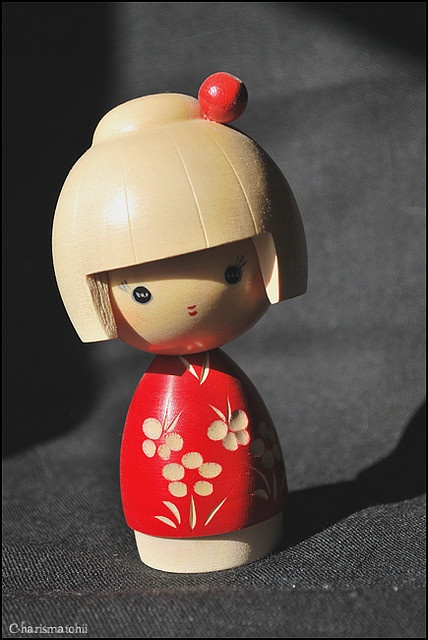Love this little Kokeshi doll. Had her, then lost her, and Dave just bought it for me again  : )