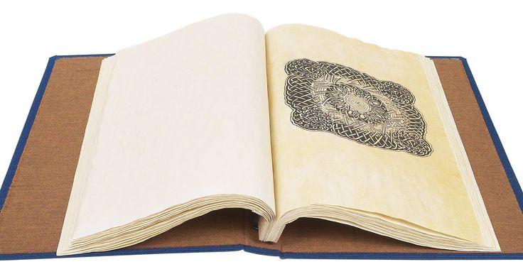 Como fazer nós celtas. O nó celta começou a ser usado na Irlanda, no Século 7 a.C., e atravessou os séculos como uma forma de arte viável. Eles podem ser usados para muitas coisas, como decorar convites e cartas, emoldurar desenhos, decorar páginas de diário e mais. Para fazer um nó celta é preciso tempo e paciência, mas com um pouco de prática é possível criar uma bela ...