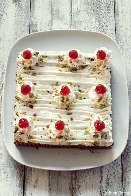Sugar Buzz: Ένα ρετρό γλυκό ψυγείου με μπισκότα, σοκολατένια κρέμα και σαντιγί.
