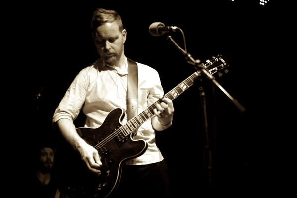 Nate Mendel (on guitar, this time) ~ @LieutenantMusic
