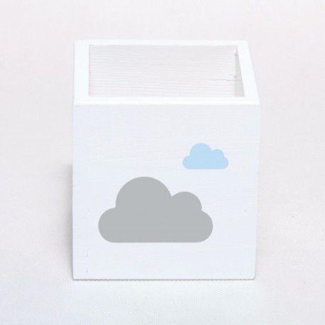 Pudełko na kredki, flamastry, długopisy - drewniane, białe. Praktyczna i ładna dekoracja do pokoju dziecięcego. Pozwoli uporządkować przestrzeń małego artysty.