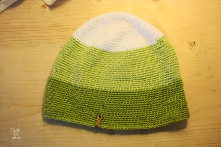Hand Made long beenie from woll and acryl.