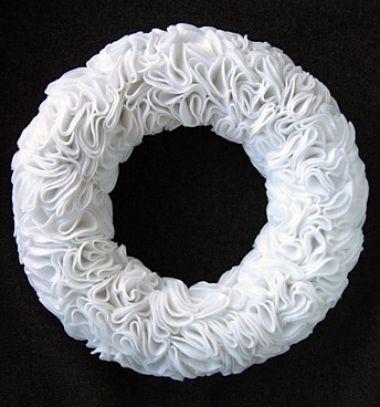 Gorgeous and easy winter wreath with cosmetic cotton pads // Különleges fehér téli koszorú egyszerűen vattakorongokból // Mindy - craft tutorial collection