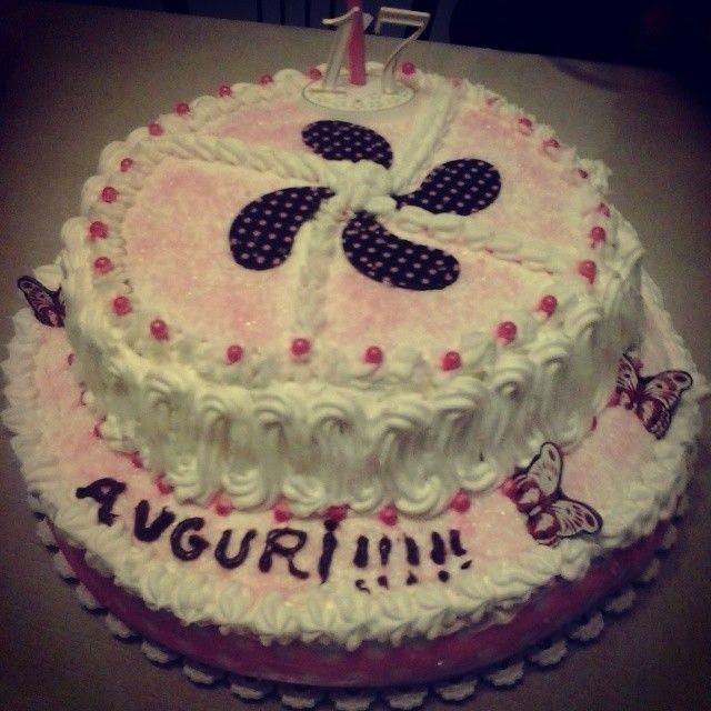 Frutto della collaborazione tra sorelle ^.^ #foodporn #tortadicompleanno #happybirthday #tantiauguri #tortafattaincasa