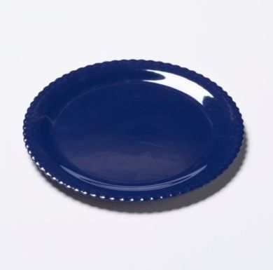We love the scalloped edges on this plate