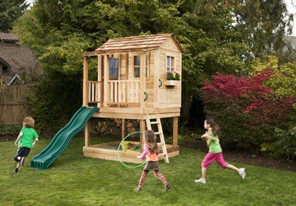 une grande maison pour les enfants jouer dans leur jardin de construction propre cabane. Black Bedroom Furniture Sets. Home Design Ideas