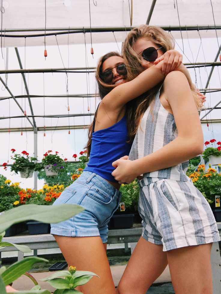 flower shop with my best friend! my pic! instagram: hannah_meloche pinterest: hannahmeloche