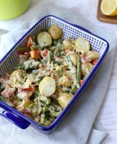Een lekkere ovenschotel met krieltjes en sperziebonen, maar toch heel anders. Je kunt de sperziebonen ook vervangen door een andere groente.