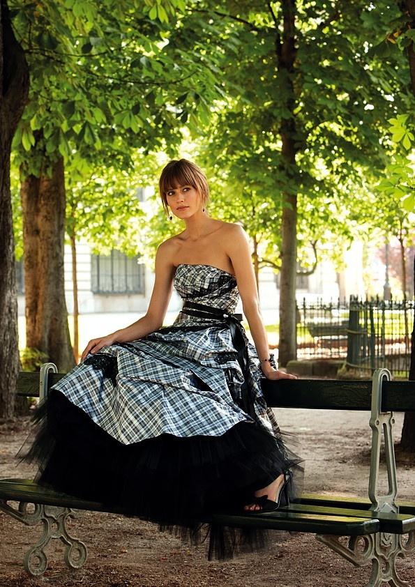 Cute plaid wedding dress...i want this dress for my wedding =)