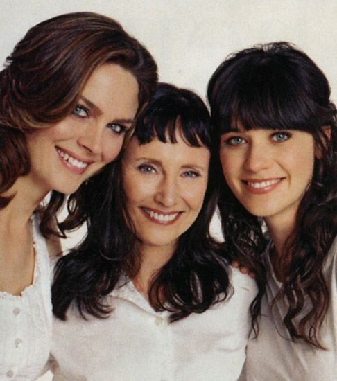 Emily and Zooey Deschanel with their mom, Mary Jo