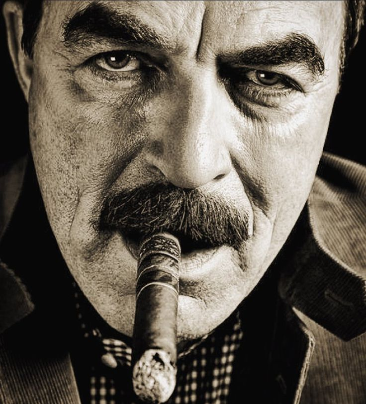 Том Селек - любител на пурите / Tom Selleck - Cigar Smoker