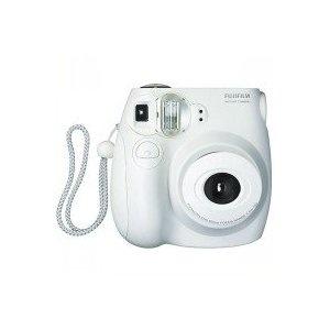 Fujifilm Instax Mini 7 S Sofortbildkamera, geil! Aber teuer, 63 Euro für 20 Bilder...