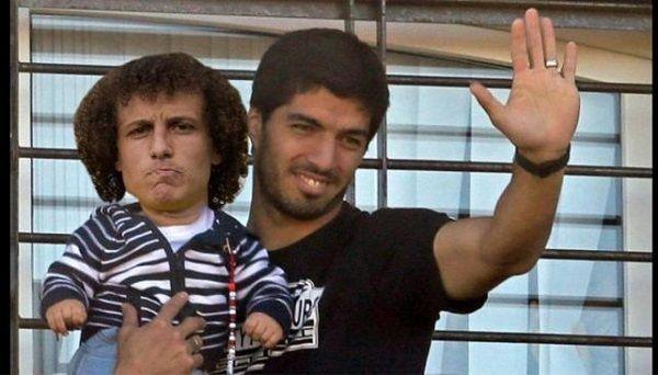 Urugwajczyk zachował się jak ojciec i zaopiekował się małym Davidem Luizem • Luis Suarez pozdrawia kibiców • Zobacz mem po LM >> #luiz #suarez #memes #football #soccer #sports #pilkanozna #funny