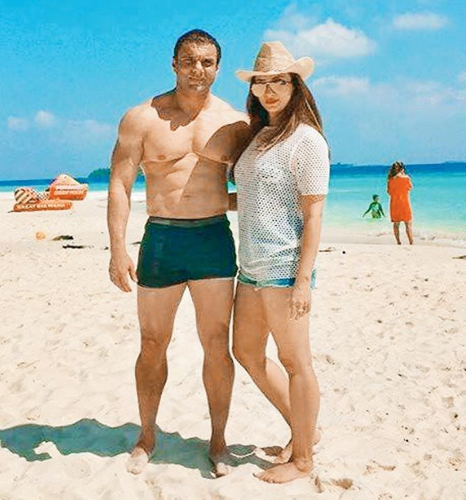 all-is-well-sohail-khan-and-wife-seema-enjoy-holiday-in-maldives