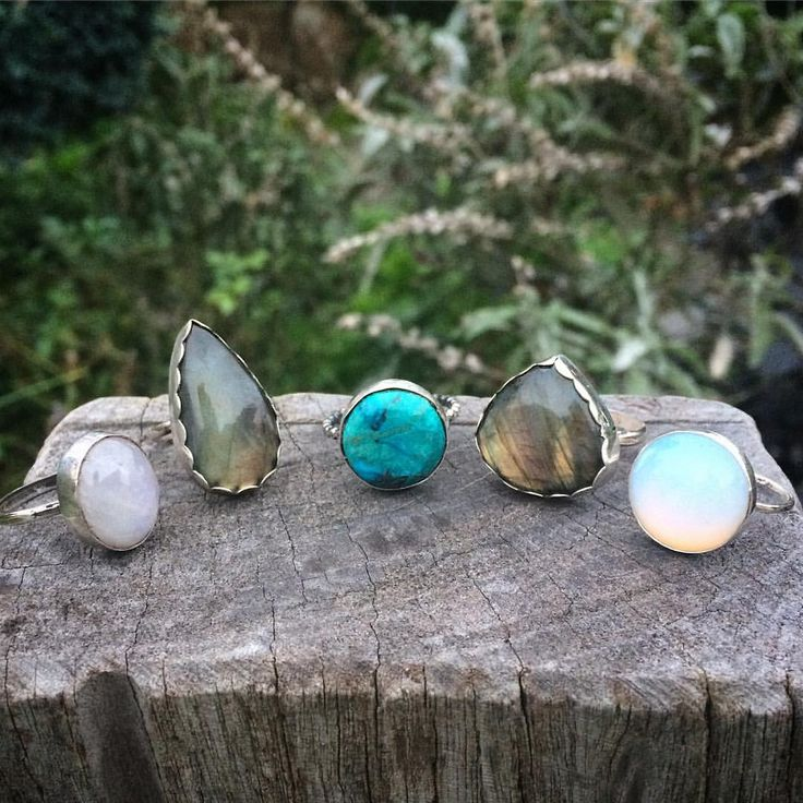 """56 Likes, 5 Comments - Gem & Tonik (@gemandtonik) on Instagram: """"5 custom rings heading off to their new homes! Two flashy pieces of Labradorite, a Rainbow…"""""""