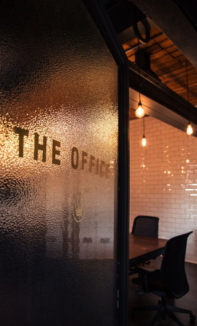Ubiquitous and their awesome office design smokingdesigners