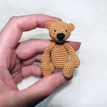 Erwan the Bear amigurumi crochet pattern by Minimonde