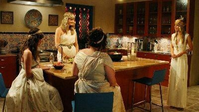 It's the Great Masquerade, Naomi Clark (Ep 7) - 90210