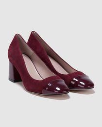 Zapatos de salón de mujer Antea de piel en color burdeos combinados