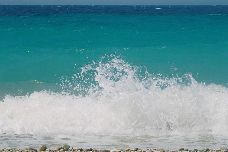 Waves, sooo blue @ Kokkari, Samos (Gr)