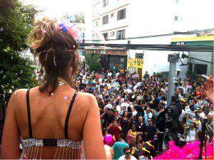 Bloco do Zé Presidente desfila no pré-Carnaval da Vila Madalena
