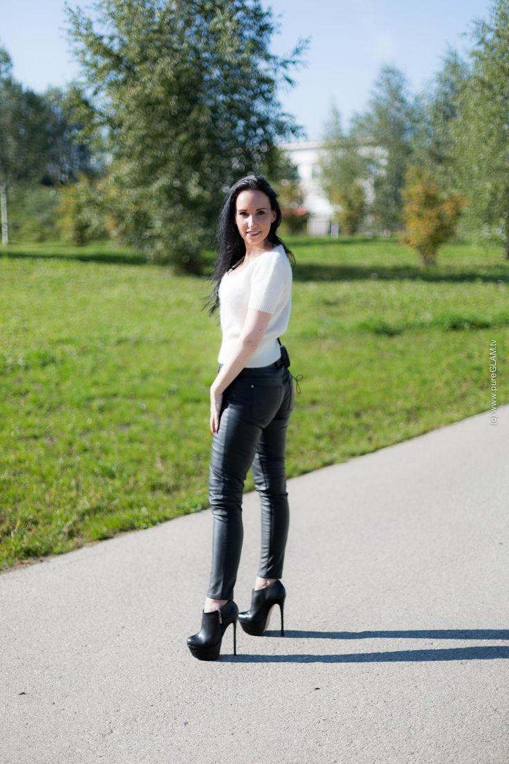 Video: Walking in High Heels - Tipps & Tricks - Tutorial ...