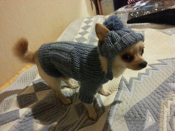 Très beau et lumineux pull pour chien. Votre chien sera très agréable dans ce pull tricoté à la main. Pull est tricoté à partir de fils de laine et dacrylique. Très doux et le luxe. Acrylik 50 % laine 50 %. 100 % fait main. Tableau des tailles de chien pull :  Taille... Leght...... Chest(Circumference). Neck(cirkumference) _____________________________________________________________________________________________________ XXXS|. 15-17sm/5.91-6.69 « |. 22-25 cm / 8,66-9,98 ». | 13-1...