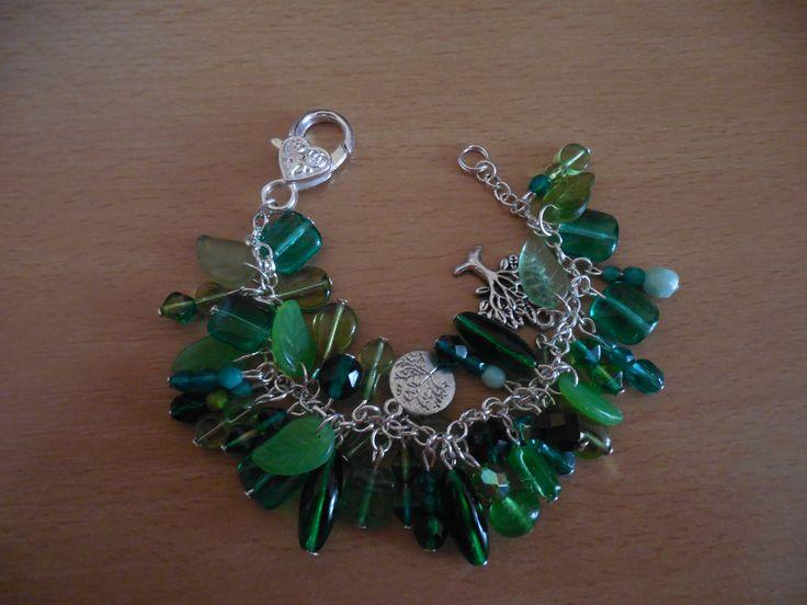 Beads bracelet - green for luck
