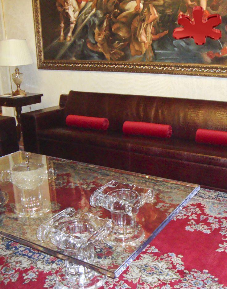 Lucite Acrylic coffe table - Acrylic furniture - TAVOLINI DA SALOTTO IN PLEXIGLASS | Tavolo trasparente in plexiglas 11.mod. IONICO | Tavolino in plexiglas cm.200 x 120 h.40 - 4 basi mod. IONICO fusto diam.cm.20 - piano in plexiglass sp.mm.40 #lucite #design #homedecor #acrylic