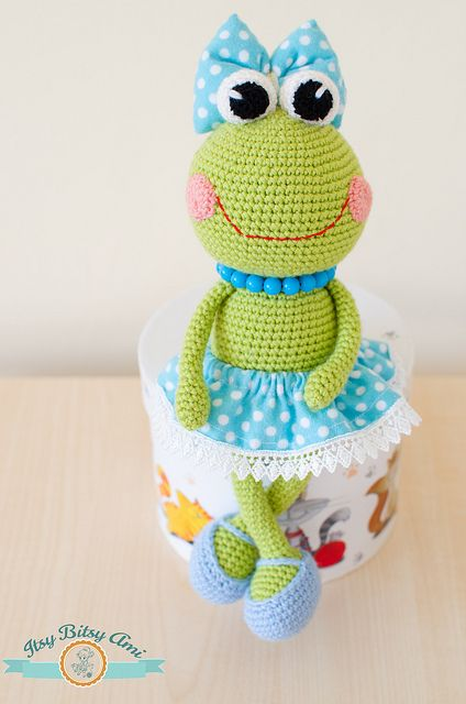 Sara, the Little Frog Amigurumi  Crochet