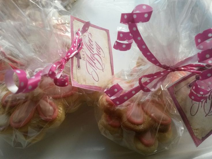 Mothers day cookies bagged and ready