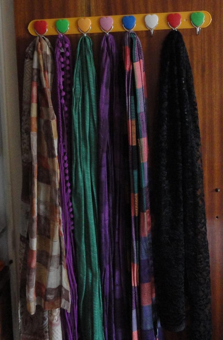 Perchero de cualquier tipo, color o estilo para mis chorronales de bolsas y bufandas