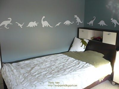 Eli's Room....a border of small dinosaurs instead of one huge dinosaur.  I really like this!
