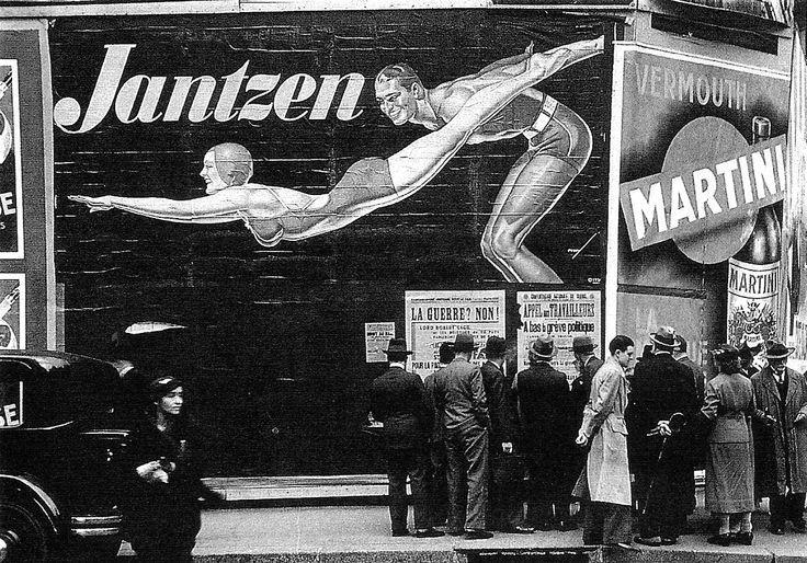 divulgador de un tiempo en blanco y negro exteriorizando el interior de la humanidad que se vislumbra en movimiento. K.B.C.  Lucien Aigner.