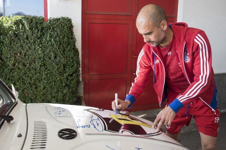 """Ibra zum Vierten: """"Wer mich kauft, kauft einen Ferrari. Und wer einen Ferrari kauft, tankt Super. Guardiola tankte aber Diesel und machte eine Tour ins Grüne. Er hätte besser einen Fiat kaufen sollen.""""(Bild: Getty Images)"""